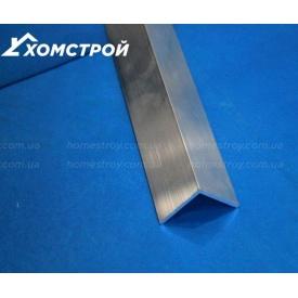 Уголок алюминиевый 30х30х2 без покрытия