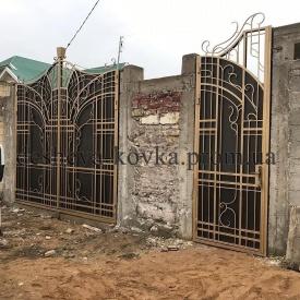 Закрытые элитные кованые ворота