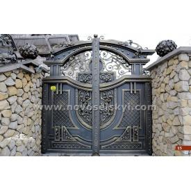 Кованые распашные ворота закрытые