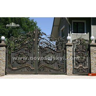 Ковані ворота розпашні закриті з хвірткою під замовлення