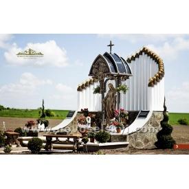 Кованая часовня с Девой Марией