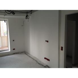 Штукатурка стен комнаты