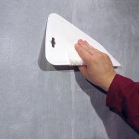 Поклейка стеклохолста на стены