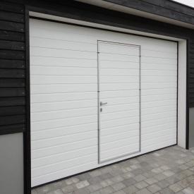 Автоматические секционные гаражные ворота с калиткой ALUTECH Prestige 2750×2500 мм