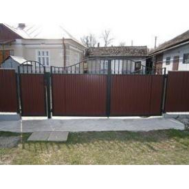 Ворота розпашні з профнастилу 2х4 м з елементами ковки та хвірткою