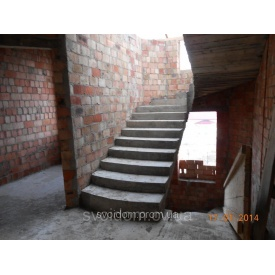 Заливка монолітних залізобетонних прямих сходів
