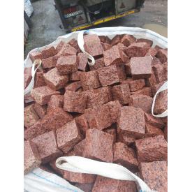 Брусчатка гранитная улучшеная Лезники красная 10х10х5 см