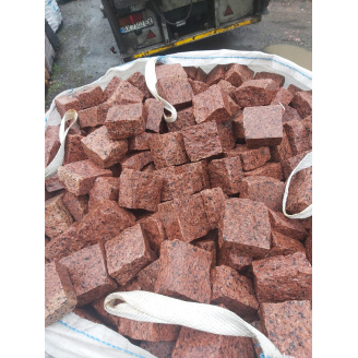 Бруківка гранітна покращена Лезнікі червона 10х10х5 см