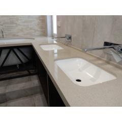 Столешница в ванную комнату из кварцевого камня Technistone Київ