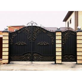 Ворота з профнастилом чорні з кованими елементами Legran