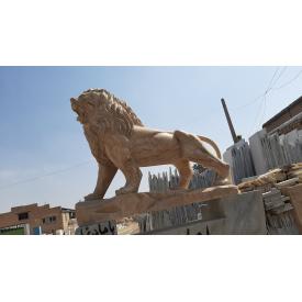 Скульптура лева