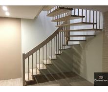 Виготовлення дерев`яних сходів в будинок