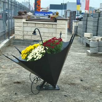 Металеве чорне кашпо для квітів і ландшафтного декору 1470*1100 мм